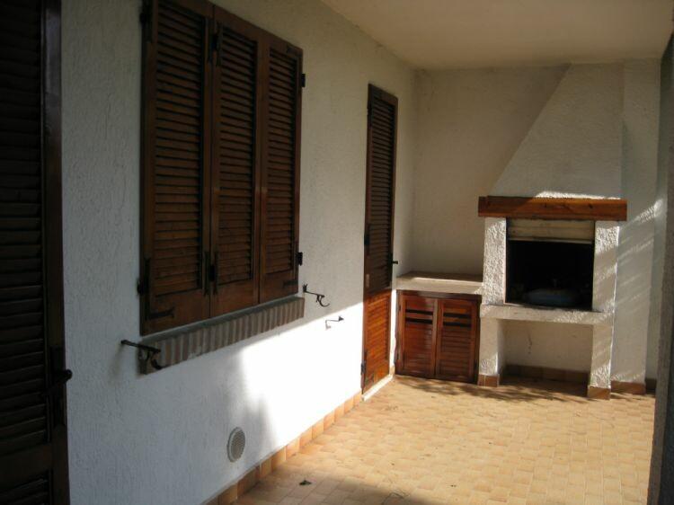 Lido di spina villetta in affitto in residence con for Piani patio esterno