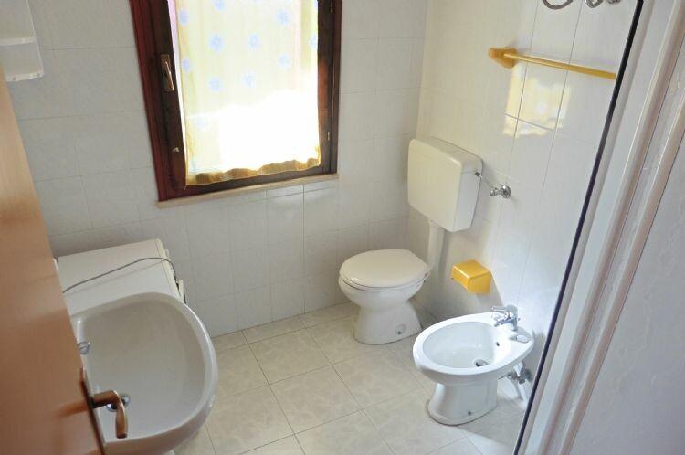 Lido di spina appartamento in affitto bilocale in residence con piscina - Bagno le piramidi lido di spina ...